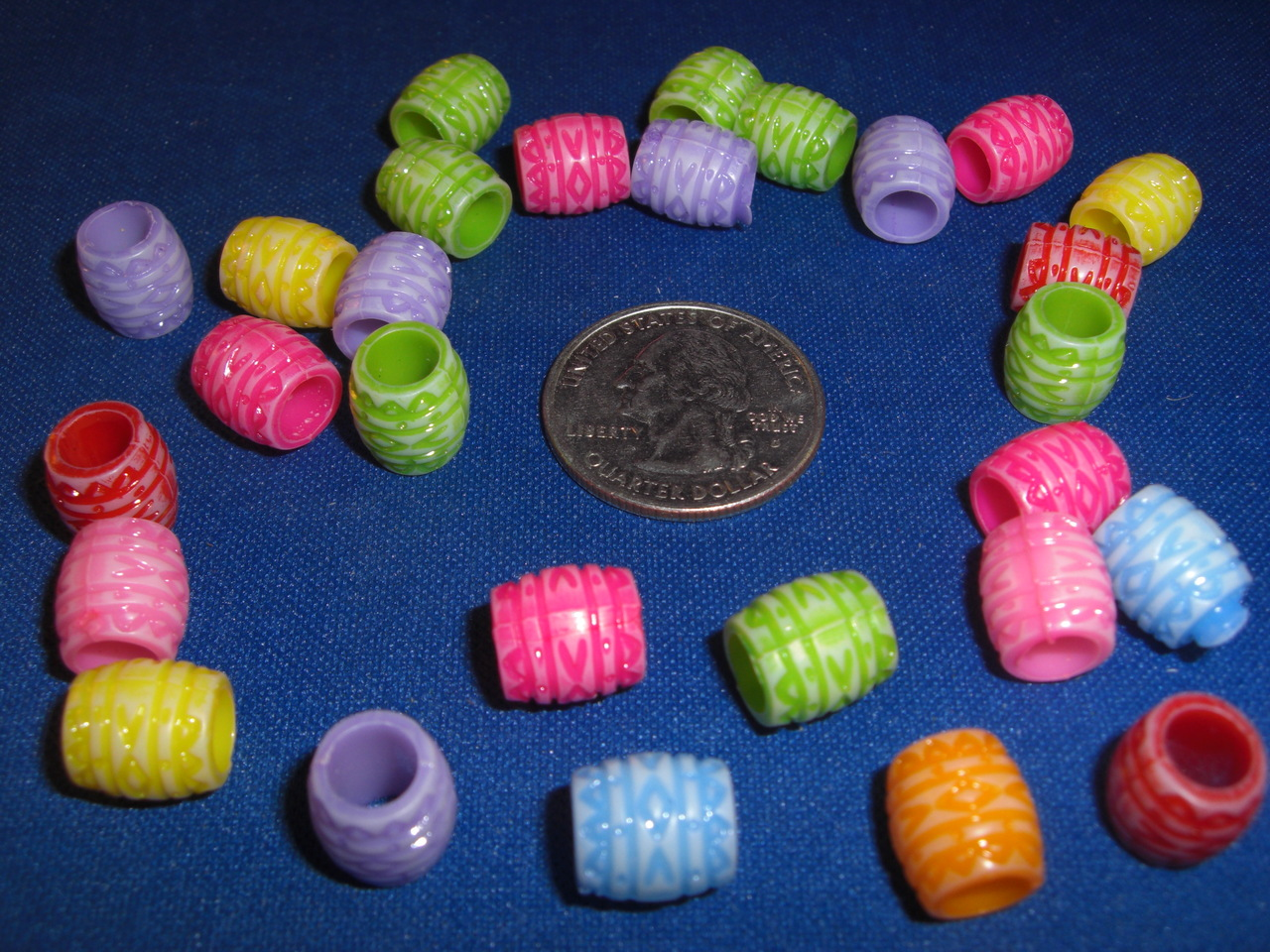 Plastic Textured Barrel Beads